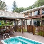Accommodation Deal - HIDEAWAY RETREAT - NESTLED IN SUB-TROPICAL GARDENS - AT A FANTASTIC PRICE