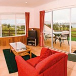 Accommodation Deal - STAY AT ISLANDER LODGE - GREAT VALUE AND A LOVELY PANORAMIC OCEAN VIEW